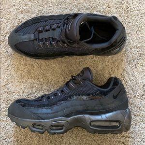 All black air max 95 multi material